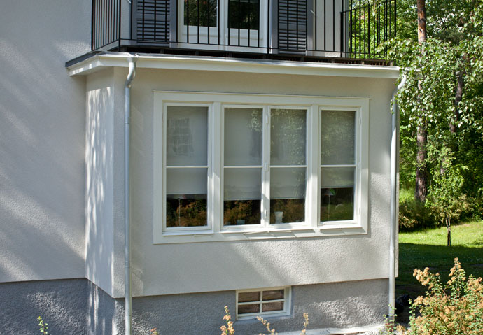 30-tals fönster varsamt renoverade och återställda till nyskick.