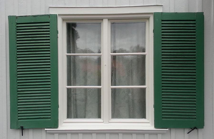 Renoverat fönster på Tottvägen i Solna